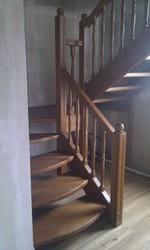 лестницы из ясеня,  дуба,  бука на заказ по индивидуальным размерам.