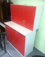Продам кухонный гарнитур красный